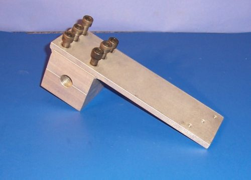 5525 - F6A HITCH MOUNTING BRACKET